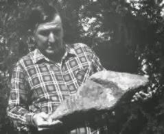 Cabeza-de-hacha-de-mano-encontrada-en-regiones-habitadas-por-aborigenes-australianos