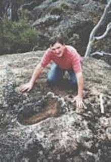Huella-fosilizada-de-un-gigante-de-5 mts-encontrada-en-Australia